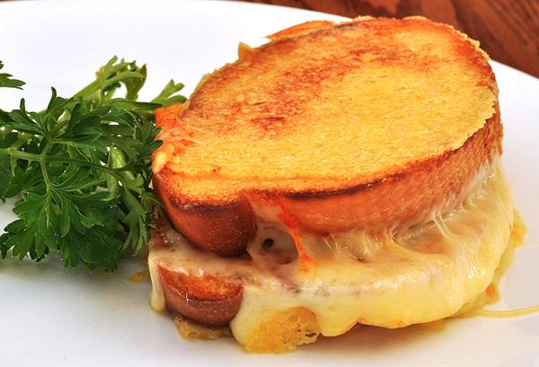 Grilled Cheese Sandwich - Image Credit: https://www.flickr.com/photos/jeffreyww/6071900948/