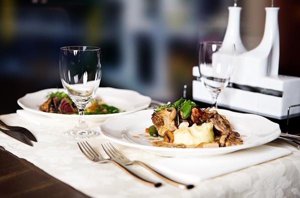 Dining - Image Credit: http://pixabay.com/en/users/AlexNut-787310/