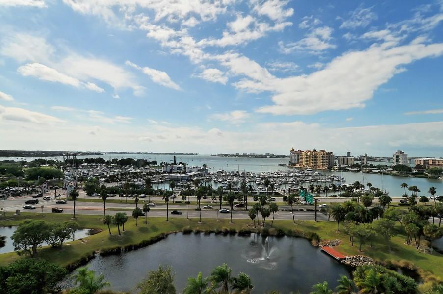 Bay Plaza condos Sarasota