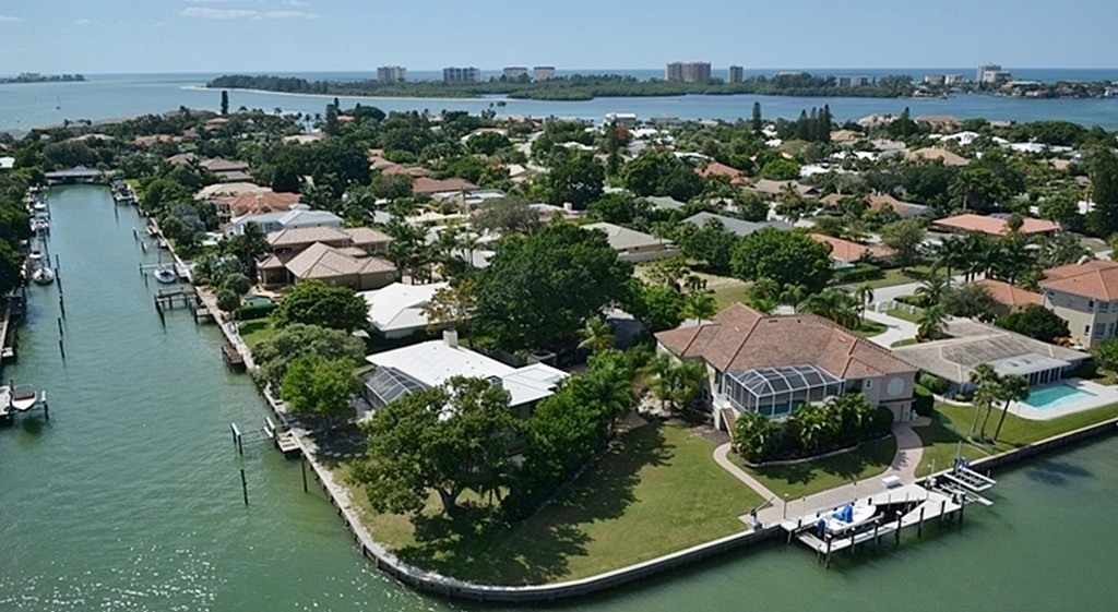 Bird Key canal homes