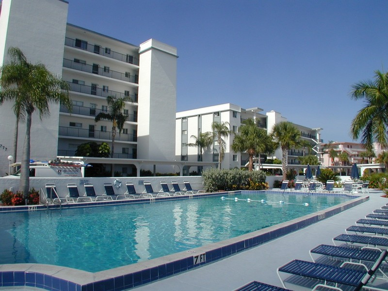 Crescent Royale condos Siesta Key