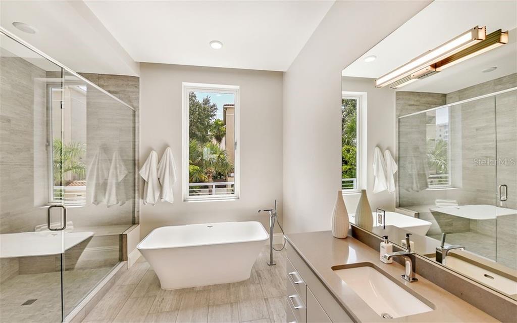 The Pearl - Bath