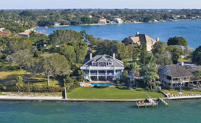 Oyster Bay Estates Sarasota