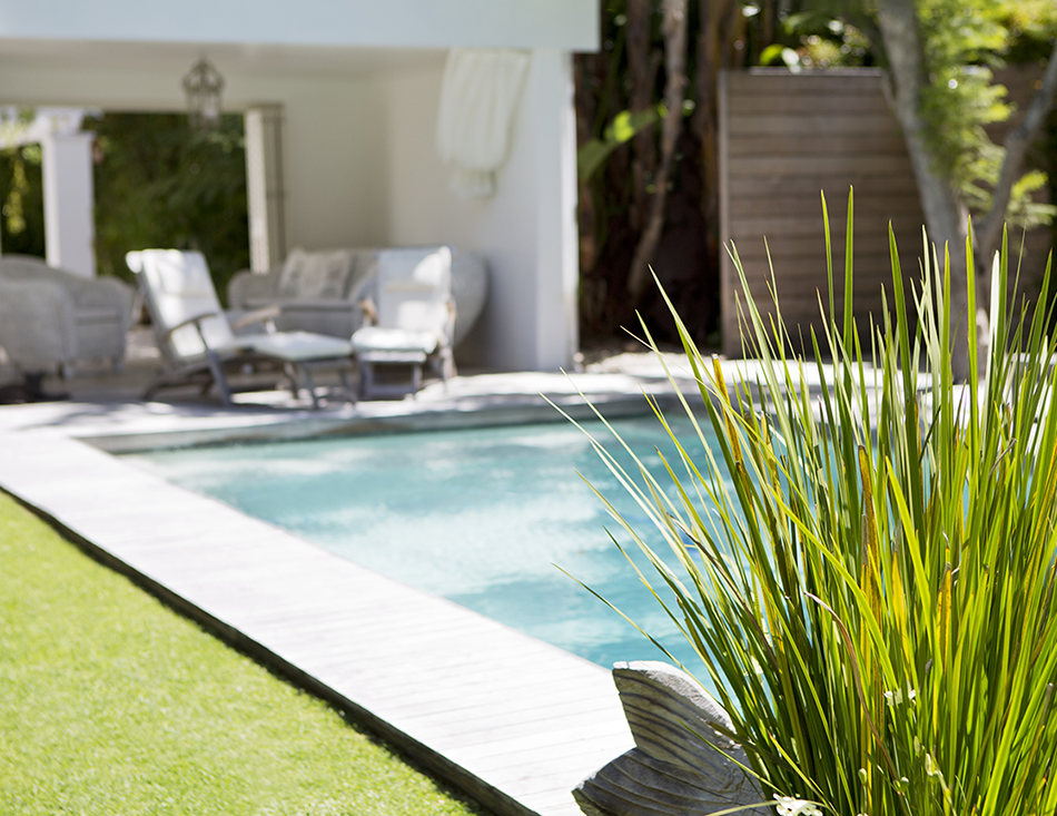 Staging a Pool to Sell a Home to the Best Buyer