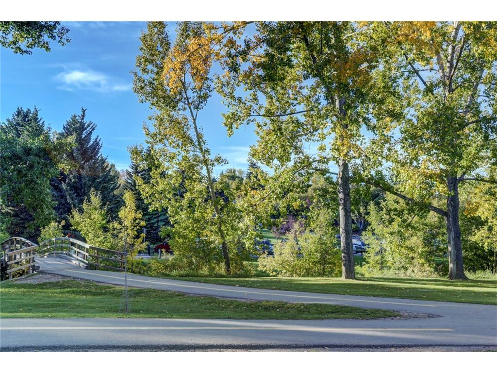 Charleswood real estate