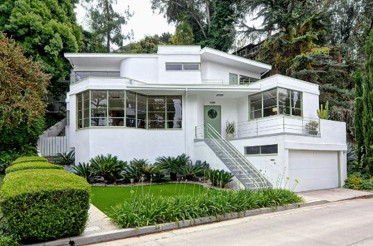 1530 Easterly Terrace Silver Lake streamline moderne and Los Angeles historic monument