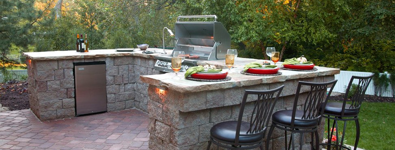 5 Outdoor Kitchen Ideas To Spice Up Your Backyard