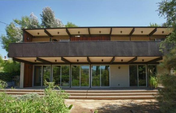 Exterior view of this Los Feliz Post and Beam home