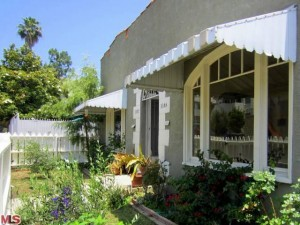 Silver Lake Triplex sold in multiple offers for all cash