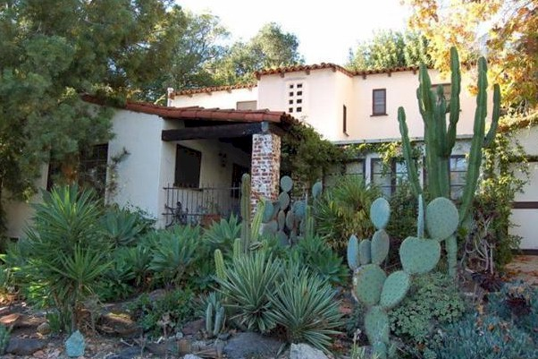 Eagle Rock Short Sale is a delightful Spanish with original details