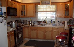 cluttered kitchens don't show well