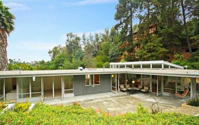 Architectural home in the Los Feliz Oaks