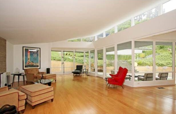 Los Feliz Oaks mid century home has wide open public spaces