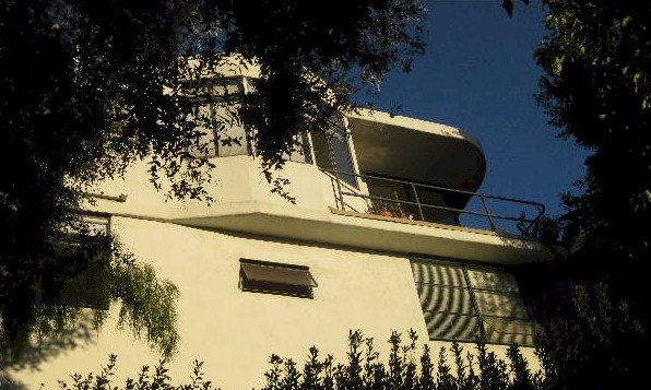 rear view of Adams House Silver Lake Streamline Moderne