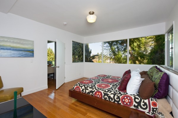 2252 Talmadge Los Feliz offers master suites upstairs an down
