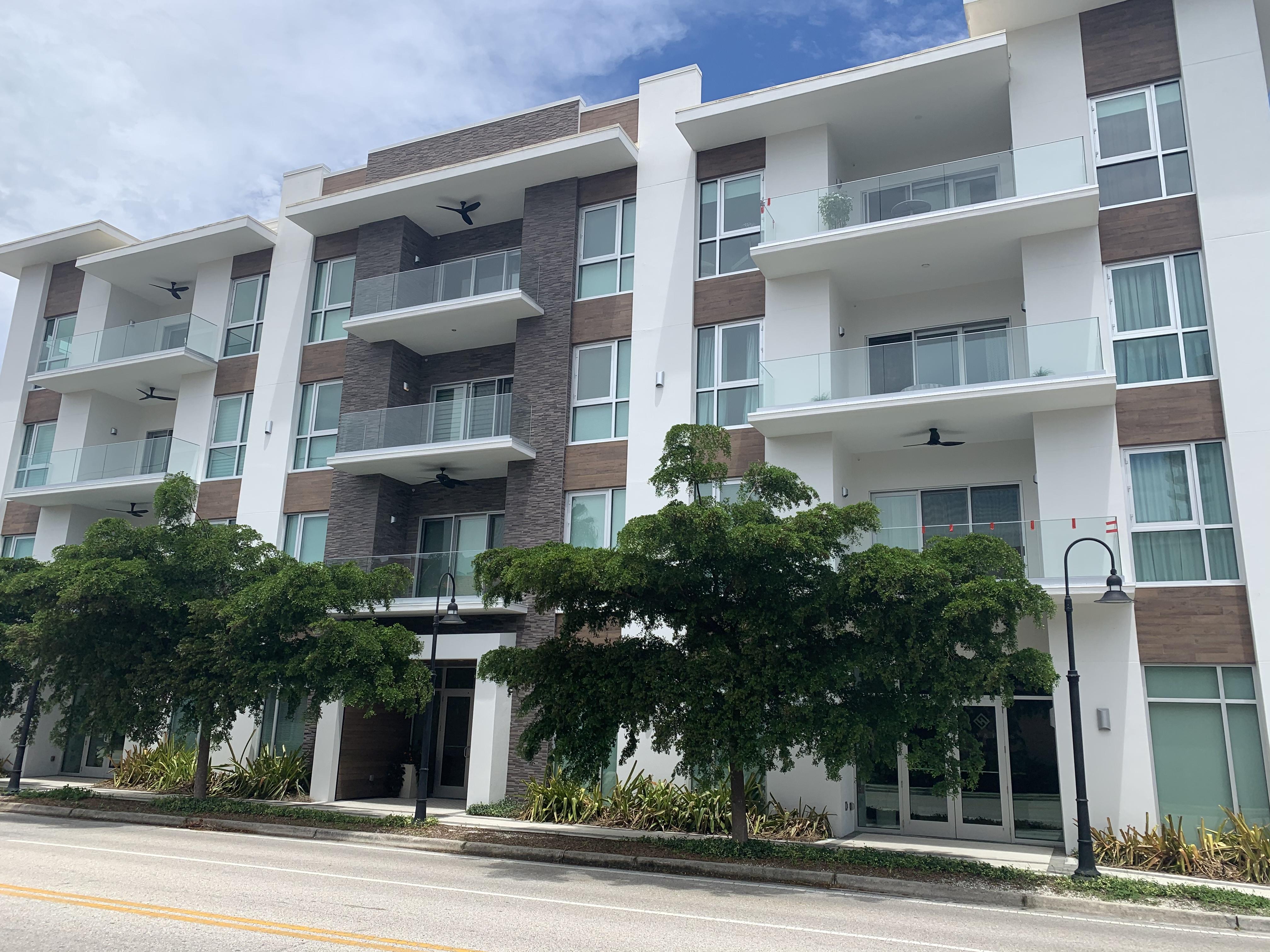 Orange Club Downtown Sarasota Condos