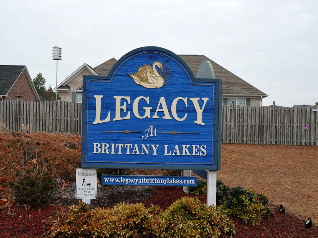 brittany_lakes_sign_1024