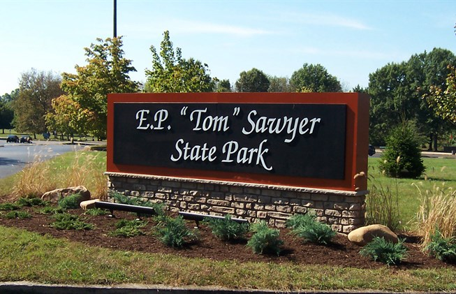EP Tom Sawyer Park entrance sign