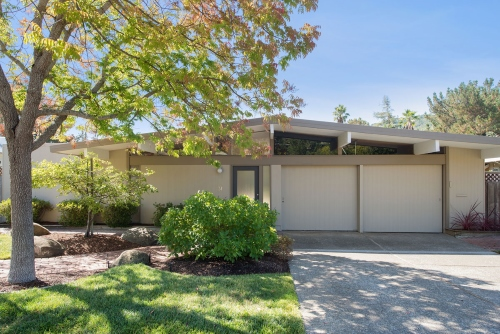 Marin Modern Eichler listing in Upper Lucas Valley.