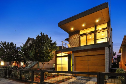 Simpatico prefab home offered for sale by East Bay Modern Real Estate.