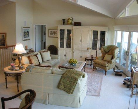 livingroomsmallercrop_472