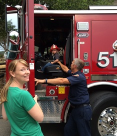 anna_and_fire_truck_272_02