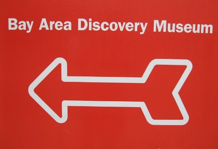 best_resized_discovery_museum_sign_032_448