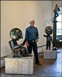 rodger_with_sculptures_160