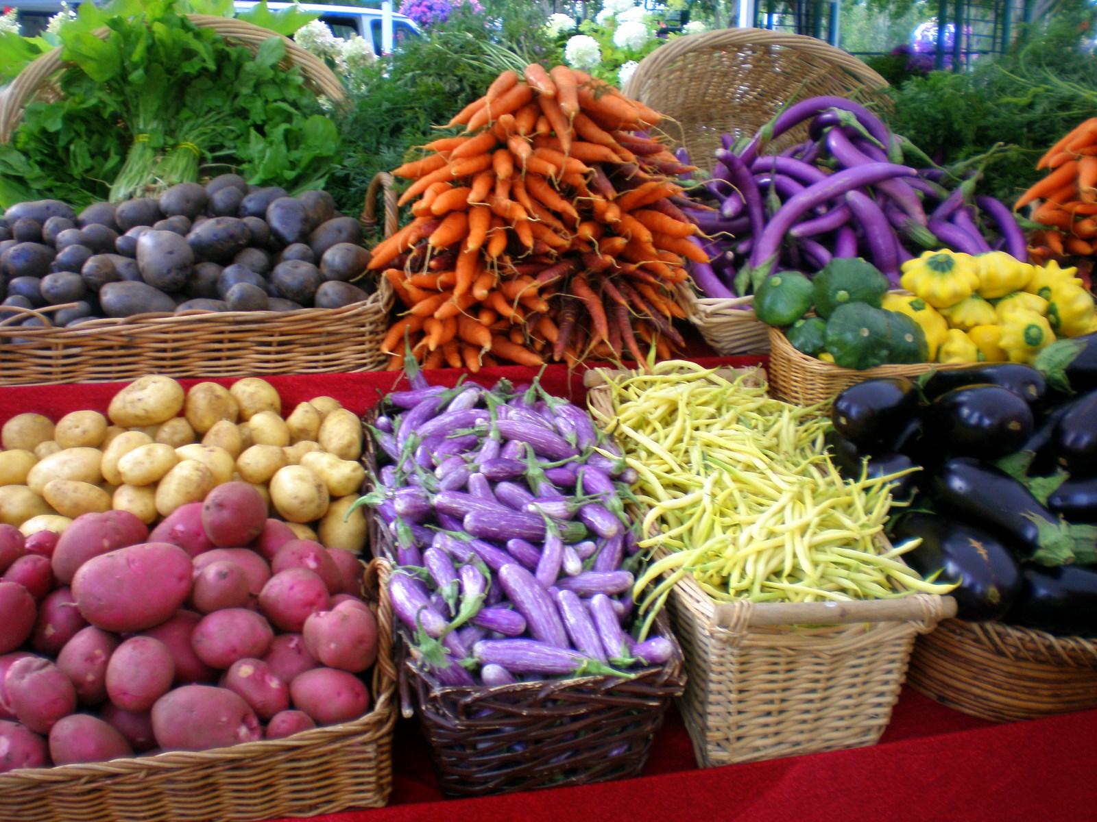 farmers-market_1600_01.