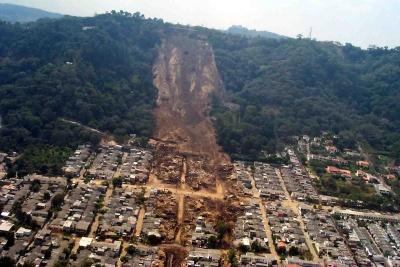 landslide_houses_400