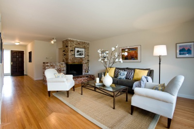 living_room_towards_fireplace_400