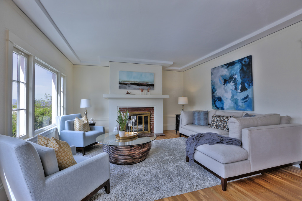 1520 6th Avenue Living Room