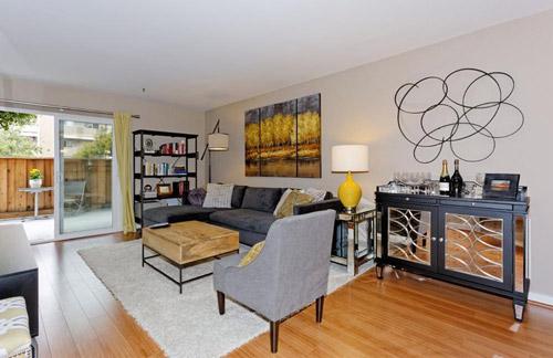 eastbay_condo_livingroom_500