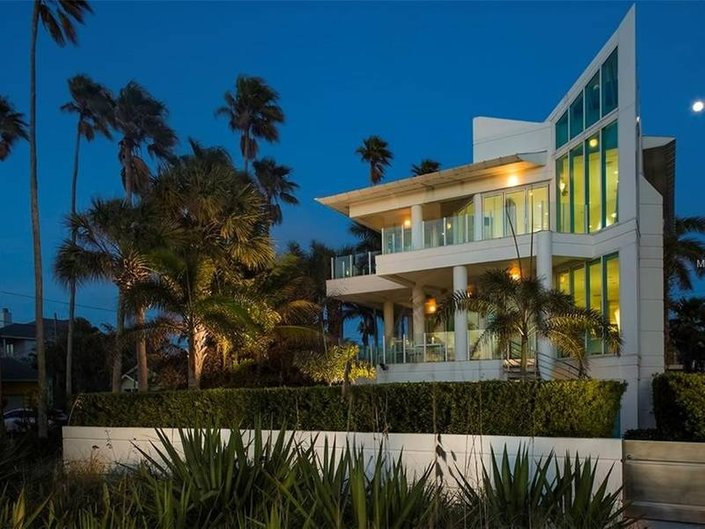 4 Quirky Homes For Sale in Tampa Bay
