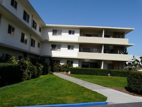 890 W. Cliff Condominium Complex