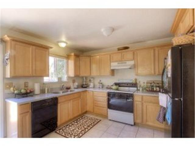 andrew lane townhomes kitchen