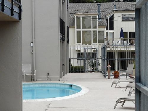 atlantic avenue condos pool