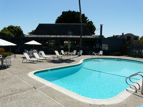 beach_cliff_townhomes_seascape swimming pool