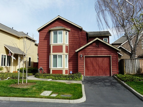 cape_bay_colony_townhomes_capitola-garage