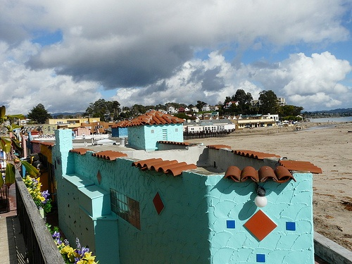 Capitola Venetian Condos on the beach