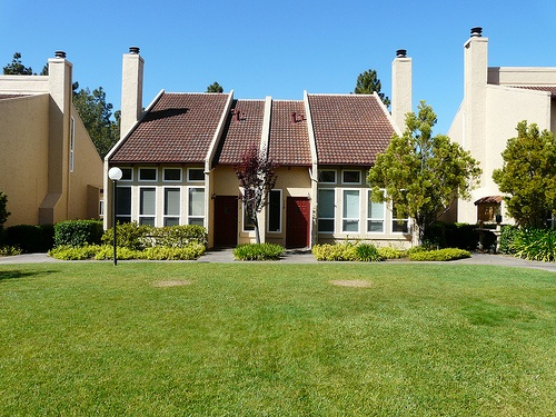 Courtyard_Townhomes_Santa_Cruz frontyard
