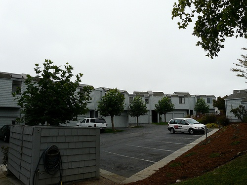 harbor_knolls_condos-parking