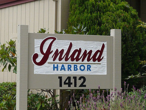 inland_harbor_condos-sign
