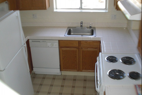 mariners_cove_townhomes-kitchen