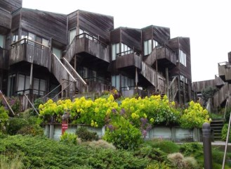 ocean_house_monterey_condos_surf_way