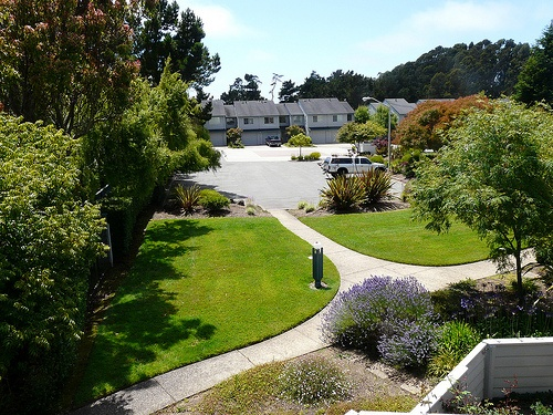 racquet landing homes frontyard