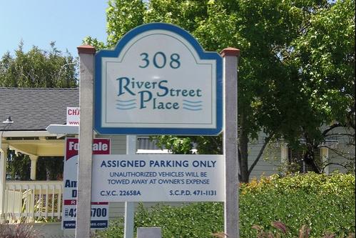 river_street_place-board