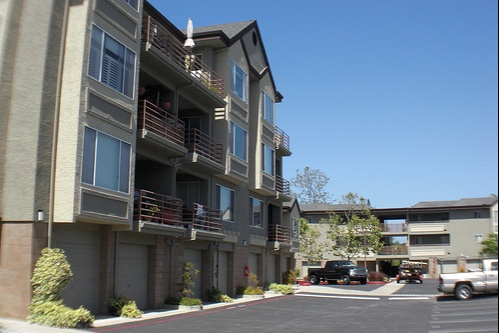 river_street_place-homes-for-sale