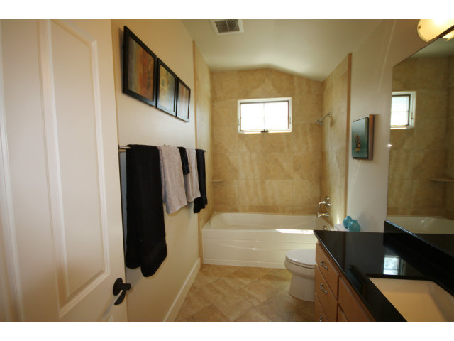 Tosca Terrace homes bathroom