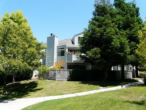 woodside terrace condos